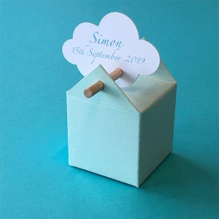 Customized cloud-shaped favour box tag
