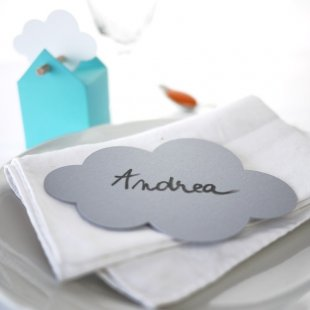 Cloud shaped place card